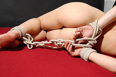 Bondage im Livesex mit Maren